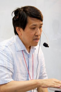 "Tomita michio at the event ""The Blue Sky Library, with 800 Volunteers and 10,000 e-book Titles"" held by Voyager Japan, Inc., in July 9 2011.  Courtesy of Voyager Japan, Inc."