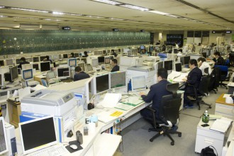 Tokaido-Sanyo Shinkansen the General Control Center  (Courtesy of JR Central)