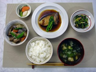 Image from WASHOKU, traditional dietary cultures of the Japanese (Discuss Japan, No. 18)   http://ae115j6irq.previewdomain.jp/archives/culture/pt20140130140607.html