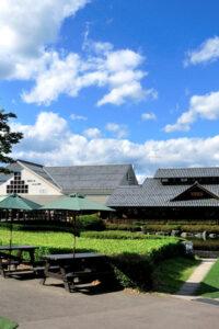 Women create vitality and confidence in the region. Michi-no-eki, Den-en Plaza Kawaba (Kawaba Village, Gunma Prefecture)